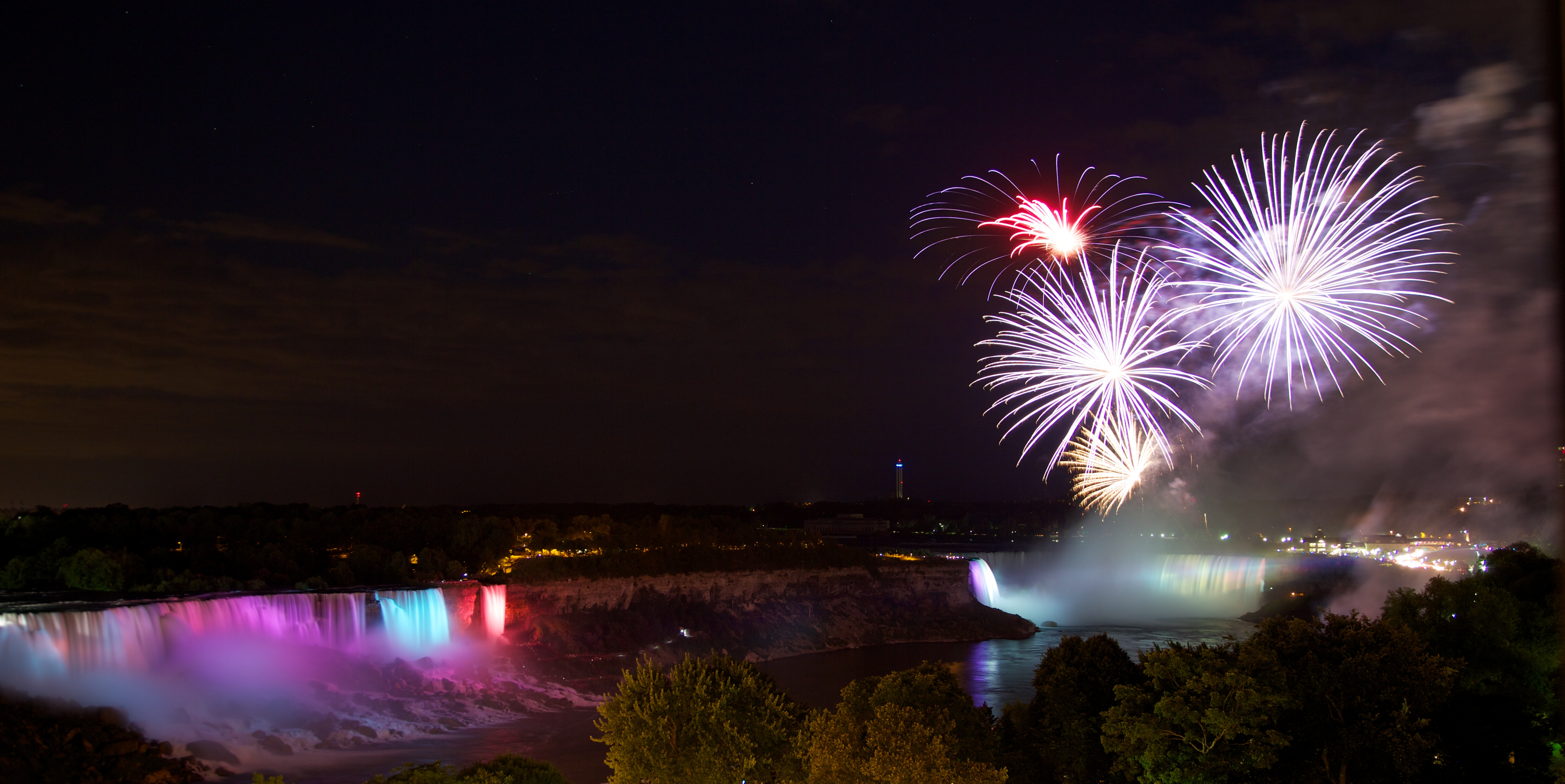 NiagaraFalls_Canada_New_Years_Eve